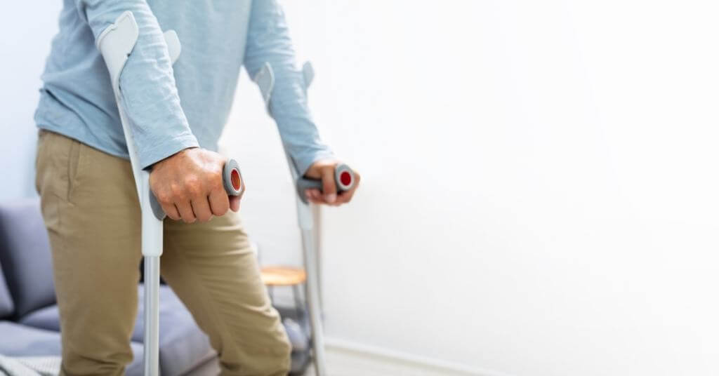 accident-assistance-crutches